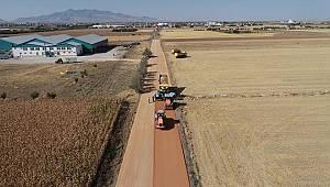 Belediye sanayi caddesinin 2. OSB yoluna bağlantı yolunu yeniliyor