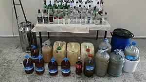 Karaman'da jandarmadan sahte içki imalathanesine baskın