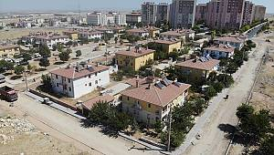 Karaman'da yol ve kaldırım çalışmaları devam ediyor