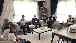 Vali Işık, şehit PÖH Hakan Yılmaz'ın ailesini ziyaret etti