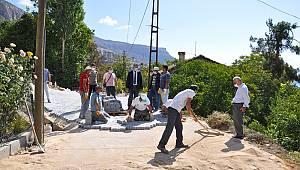 Ermenek'te Cadde Ve Sokaklarda Parke Çalışmaları Sürüyor