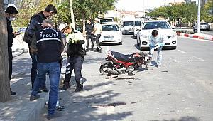 Karaman'da midibüs ile motosiklet çarpıştı: 1'i ağır 2 yaralı