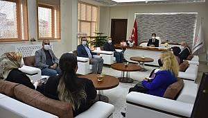 AK Parti Teşkilatı Milli Eğitim Müdürü Çalışkan'ı Ziyaret Etti