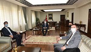 CHP Belediye Meclis Üyeleri Vali Işık'ı ziyaret etti