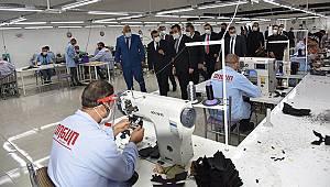 Vali Işık Saya ve Tekstil Fabrikasında incelemelerde bulundu