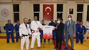 Vali Işık, Karaman'da Kampa Giren Paralimpik Judo Milli Takımını Ziyaret Etti