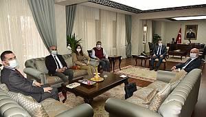 KAREV Yönetimi Vali Işık'ı Ziyaret Etti
