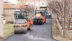 Belediye Ekipleri, Çeltek Mahallesi Yollarını Asfaltladı