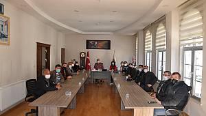 Ermenek'te Mahalle Muhtarlarıyla İstişare Toplantısı Yapıldı