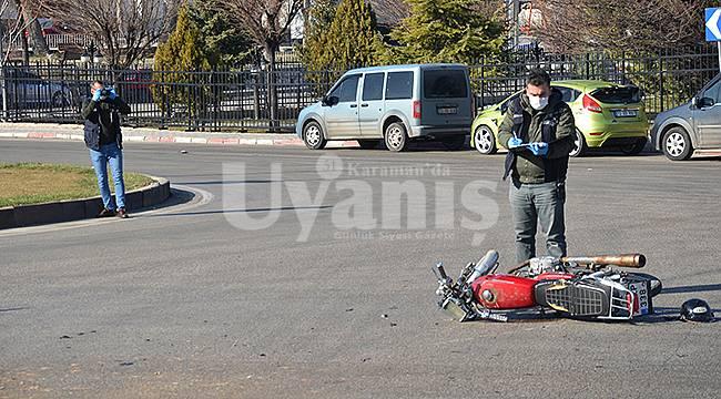 Karaman'da Kamyonet İle Motosiklet Çarpıştı: 2 Yaralı