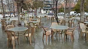 Karaman'da pastane, lokanta ve kafeler yüzde 50 kapasite ile hizmet vermeye başladı