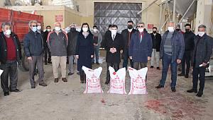 Kazımkarabekir'de Üreticiye Hibeli Nohut Tohumu Dağıtıldı