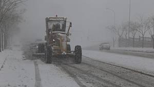 Karaman Belediyesinin Karla Mücadelesi Sürüyor