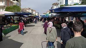 Karaman'da kısıtlama öncesi pazarda yoğunluk