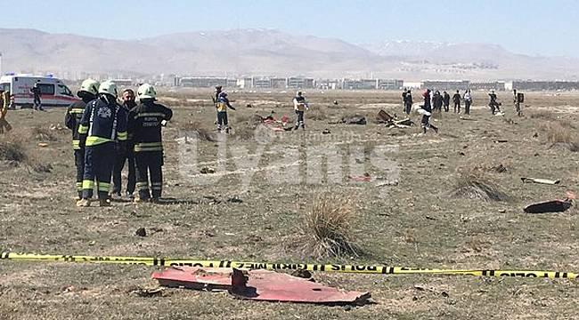 Konya'da Gösteri Uçağı Düştü. Pilot Şehit Oldu
