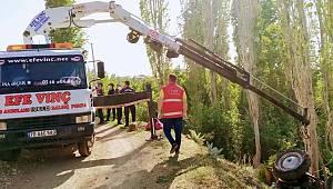 Karaman'da devrilen traktörün altında kalan kişi hayatını kaybetti