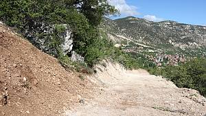 Kazancı'da Arazi Yolları İyileştiriliyor