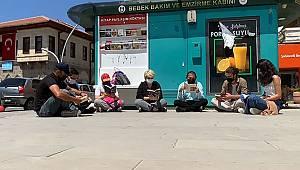 CHP kitap okuma etkinliği düzenledi