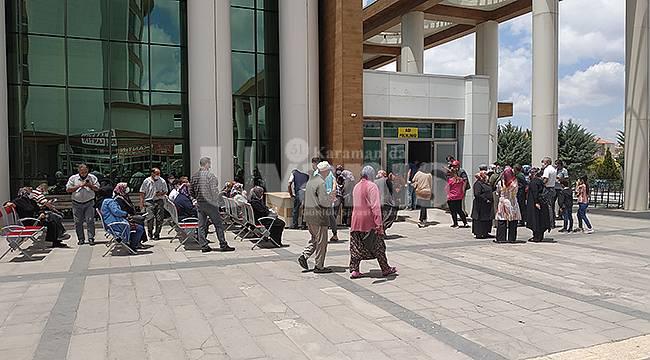 Karaman'da aşılama süreci hızlandı, vatandaşlar kuyruk oluşturdu