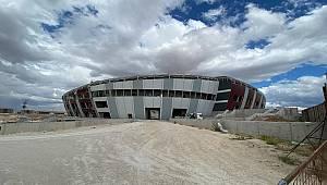 Karaman'ın Yeni Şehir Stadyumunda İnşaat Çalışmaları % 70 Tamamlandı