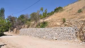 Bağ Arasında Başlatılan Duvar Yapım Çalışmalarının Bir Kısmı Tamamlandı
