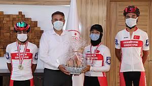 Muğla'dan Başarıyla Dönen Sporcuları İl Müdürü Bebek Kutladı