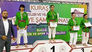 Karamanlı Sporculardan Madalya