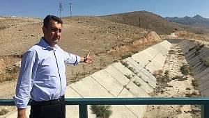 Milletvekili Ünver: Topraklar suya hasret, kanallar bomboş!