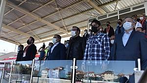 Vali Işık'tan Karaman Belediyespora Destek