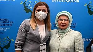 Halkbank Üreten Kadınlar Türkiye Zirvesinde Karaman'ı Özlem Gümüş Kaynak Temsil Etti