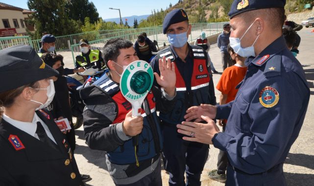Karaman'da jandarmanın tanıtımları sürüyor