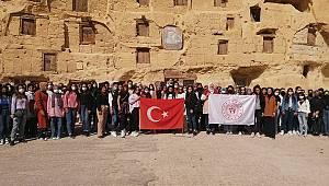 Üniversite Öğrencileri Karaman'ın Tarihi Ve Kültürel Güzelliklerini Keşfetti