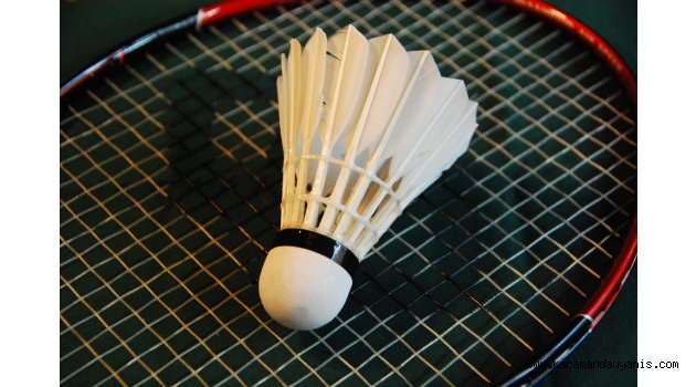 essay playing badminton You know about soccer, basketball, and hockey, but do you know about the second most played sport in the world good afternoon teachers and fellow students, i am going to be talking about.