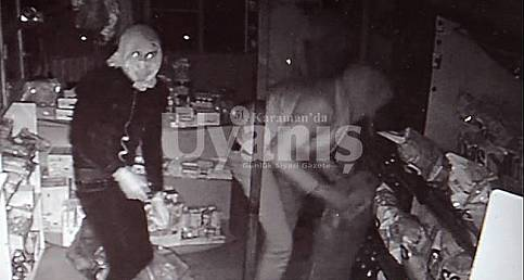 Karaman'da hırsızlık anı güvenlik kamerasına yansıdı